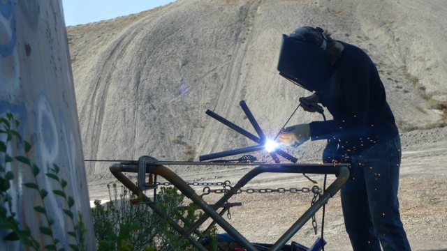 welding-against-dirt-hills-P1200500